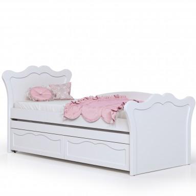 מיטה בעיצוב פרובנס